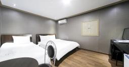 군산 L 호텔